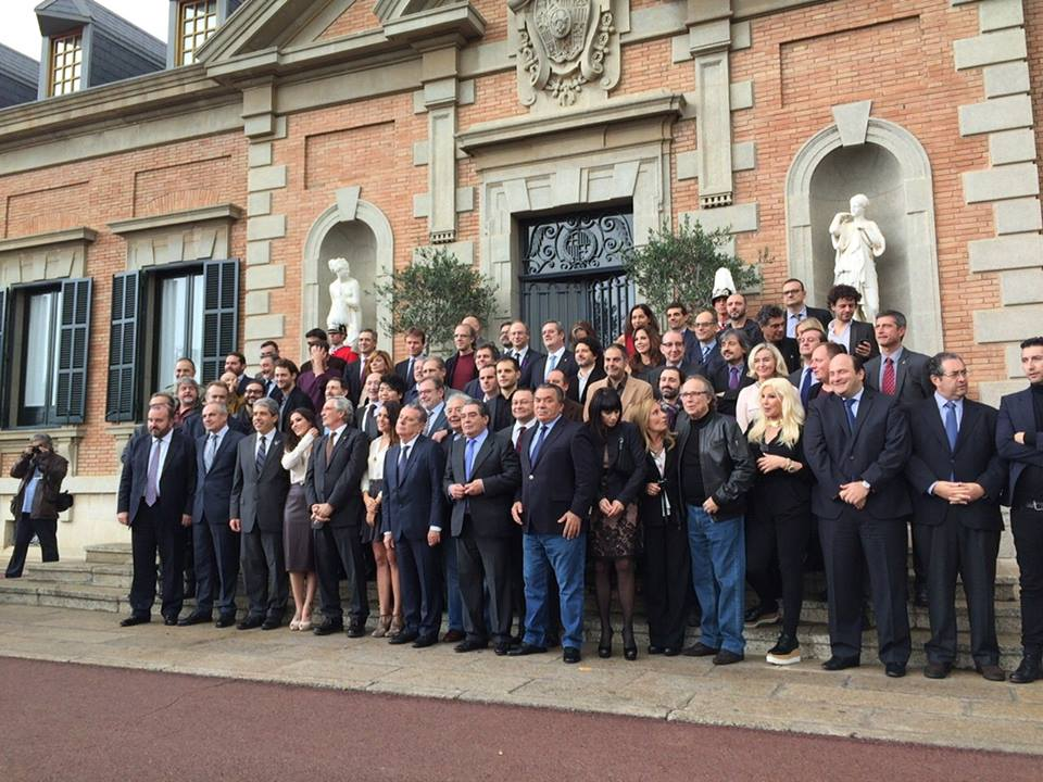 Serrat recoge su  premio Ondas a la trayectoria