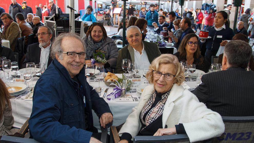 """Una comida catalano-madrileña une por el """"diálogo"""" a Carmena, Serrat y Sardà"""